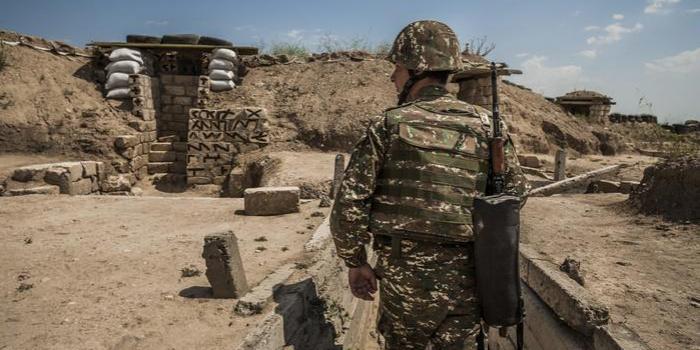 Неподалік лінії фронту в Нагірному Карабаху. Фото – dw.com