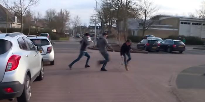 Фото – скріншот з відео Omroep PowNed
