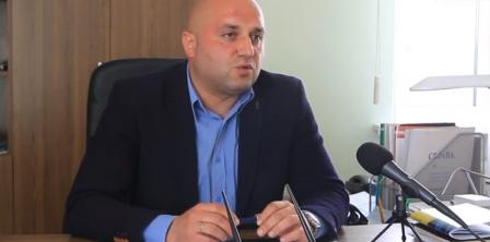 На фото - Артем Азізов, фото - скріншот з відео times.zt.ua