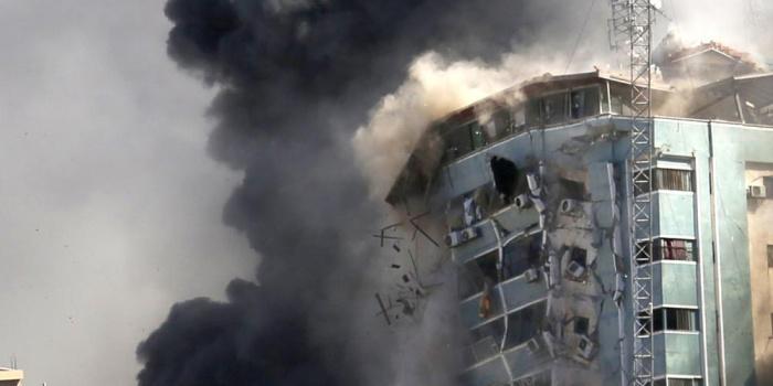 Будівля, в якій розміщені офіси Associated Press та інших ЗМІ в місті Газа Фото – AP / Hatem Moussa