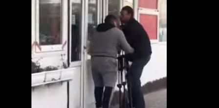 Фото - скріншот з відео ДумськаТВ